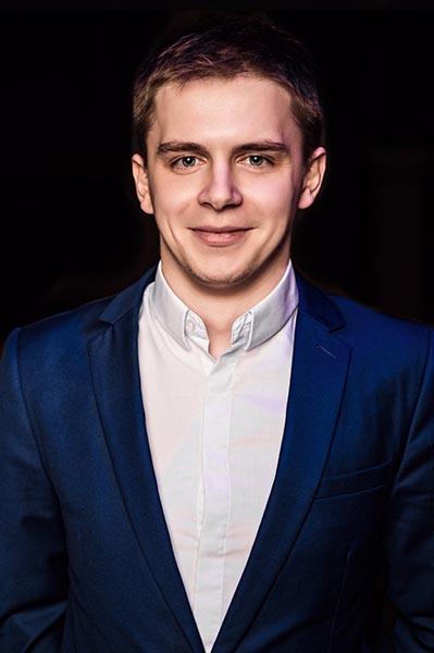 Томас - ведущий игр в мафию на английском языке